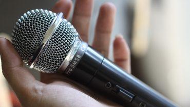 Những điều cần biết khi chọn micro cho dàn karaoke gia đình của bạn