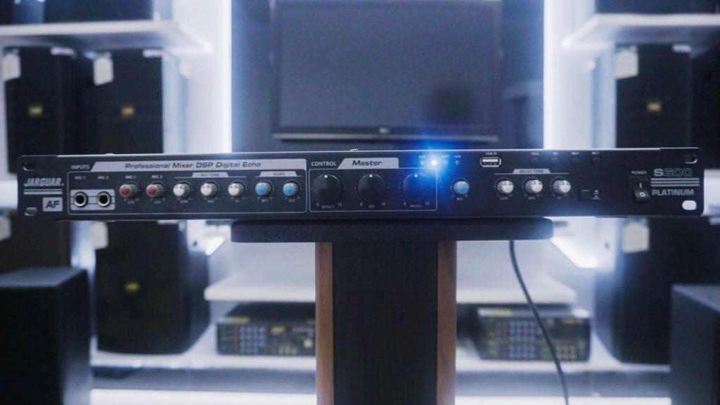 Vang cơ Jarguar S600 Platinum - nhìn từ mặt trước